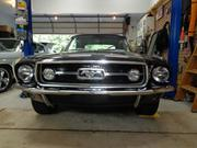 FORD MUSTANG Ford: Mustang GT deluxe